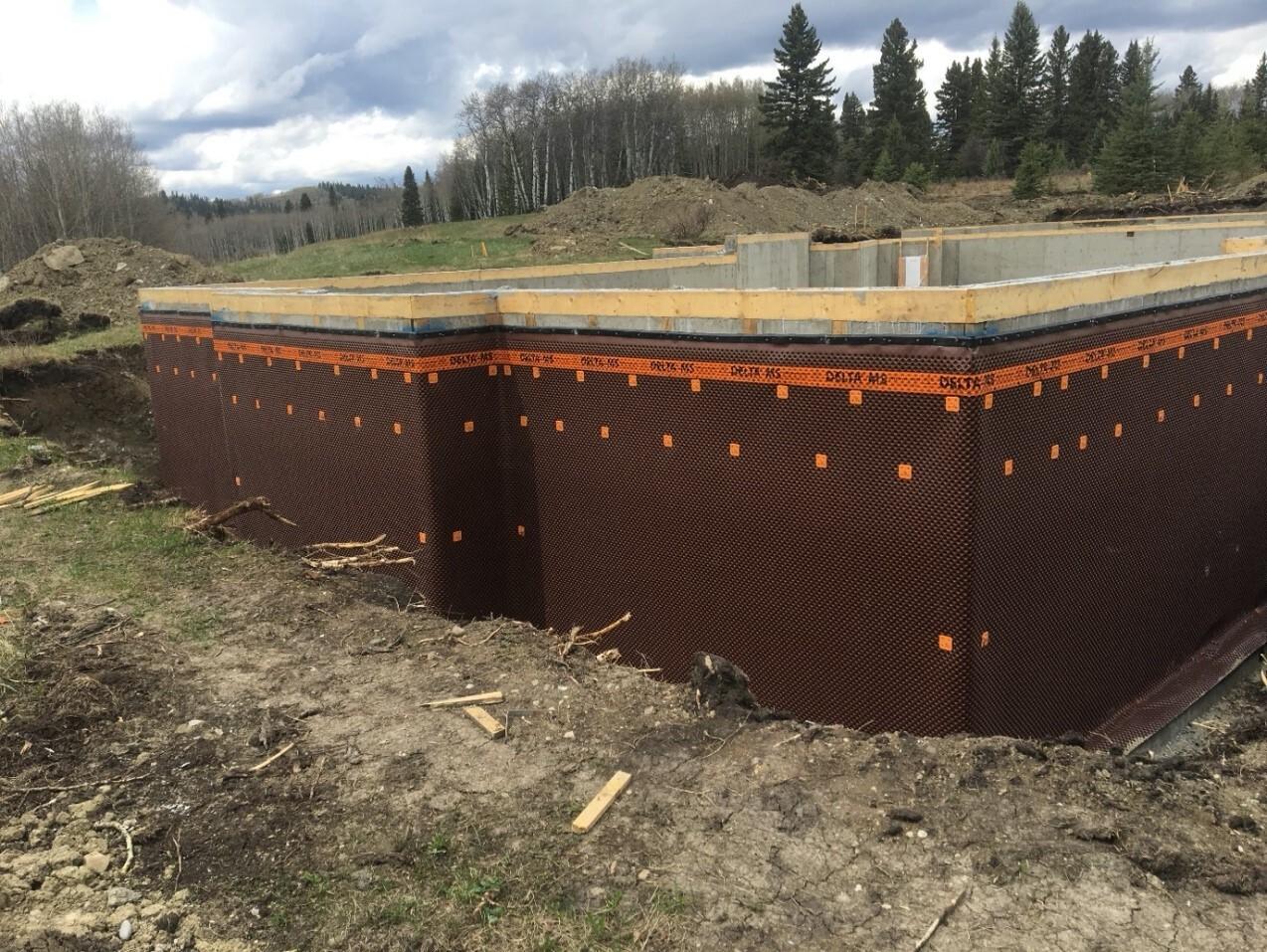 DELTA®-MS dimpled membrane basement installation.